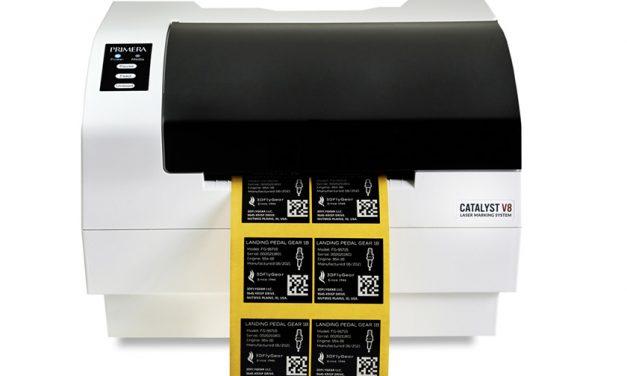 Drucker und Etikett aus einer Hand
